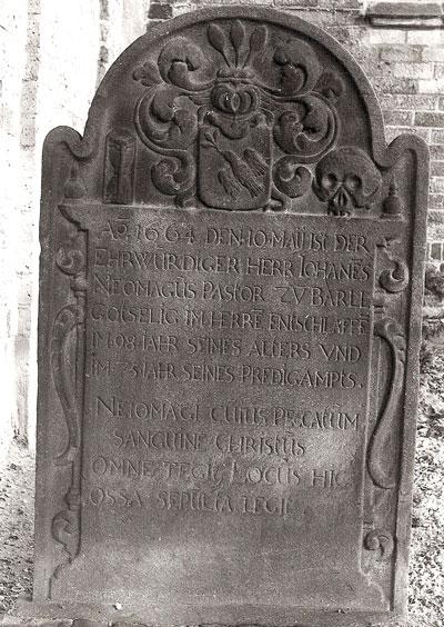 Grafsteen van Johannes in Baerl.