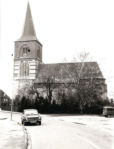 De kerk van Budberg in de jaren '80.