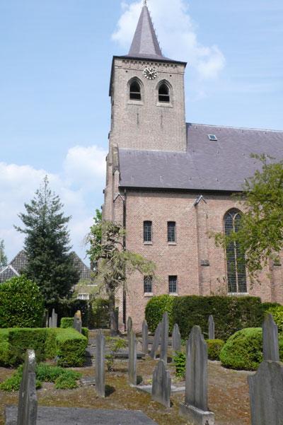Protestantse kerk van Ginneken met begraafplaats.