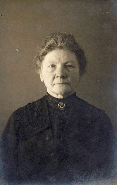 Lina Neomagus-Ras in 1907.