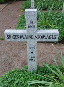 Het graf van Emma Neomagus, kloosternaam Soeur Germaine