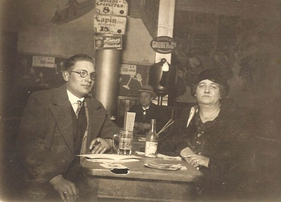 Ignaat Neomagus uit Oosterhout in 1933 op bezoek bij zijn tante Liza Neomagus - de Beukelaer.
