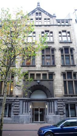 Het kantoor aan de Spuistraat in Amsterdam waar Samuel als notarisklerk werkt.