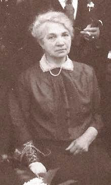 Tilly Neomagus in 1929 gefotografeerd in Oosterhout.