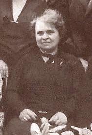 Clemence in 1929, uitsnede uit de familiefoto.