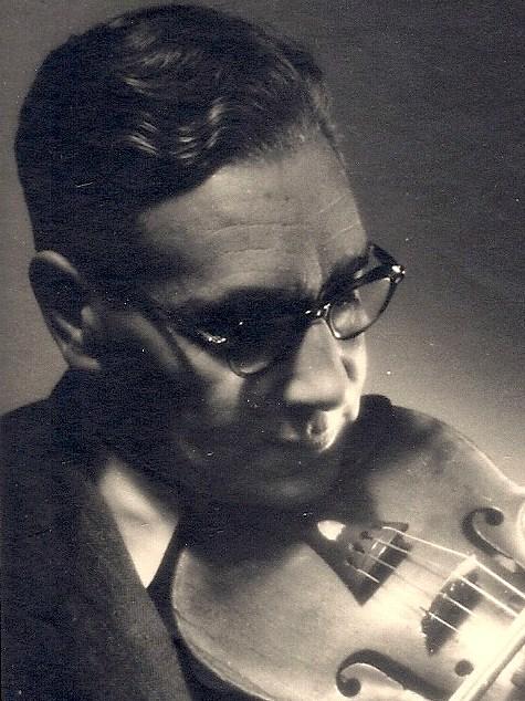 Ad van der Kop, violist.