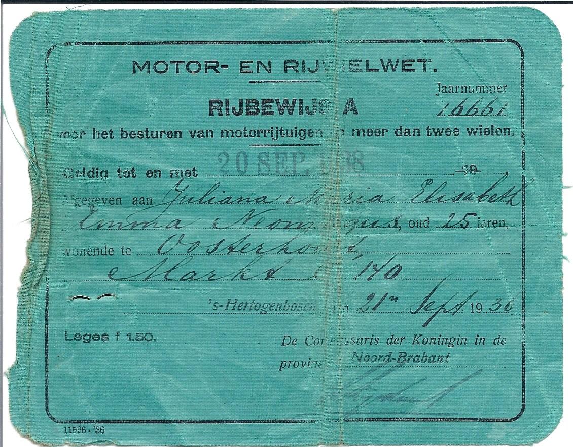 Het rijbewijs van Julia uit 1936, teruggevonden in 1987.