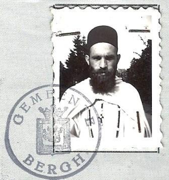 Foto van Frits op het Bewijs van Nederlanderschap, afgegeven door de gemeente Bergh ('s-Heerenberg).