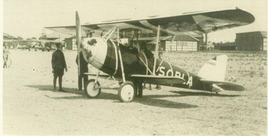 Het Sopla reclamevliegtuig.
