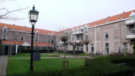 Het voormalig Koloniaal Werfdepot in Harderwijk, nu een appartementencomplex.