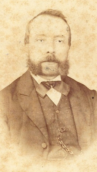 Belastingambtenaar Jan Neomagus (1827-1887), zie X-7