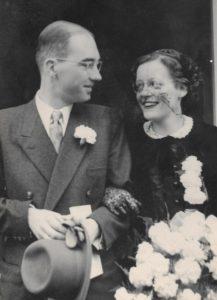 Trouwfoto van Ada Neomagus en Willem van Duyn, 9 juni 1952.
